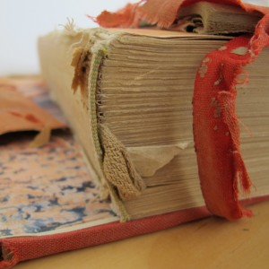 restauración de un libro de Pablo Neruda